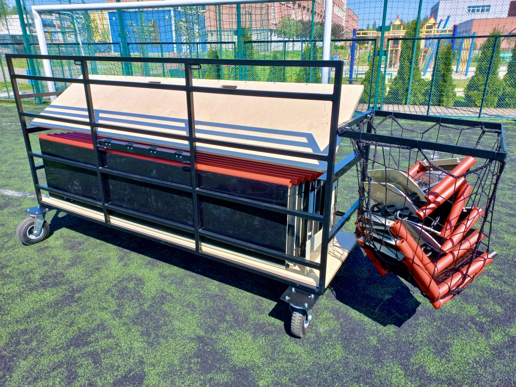 Wózek do band do piłki nożnej od tyłu